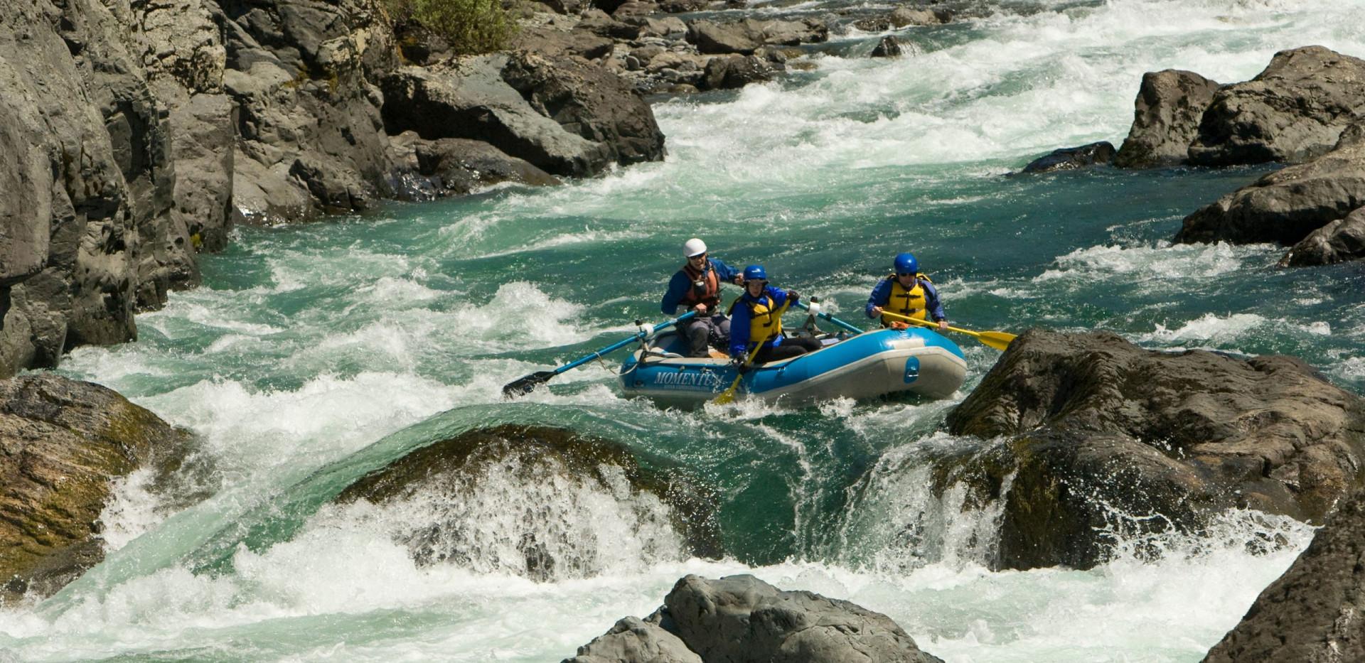Green Wall Rapid - Illinois River Rafting - Oregon