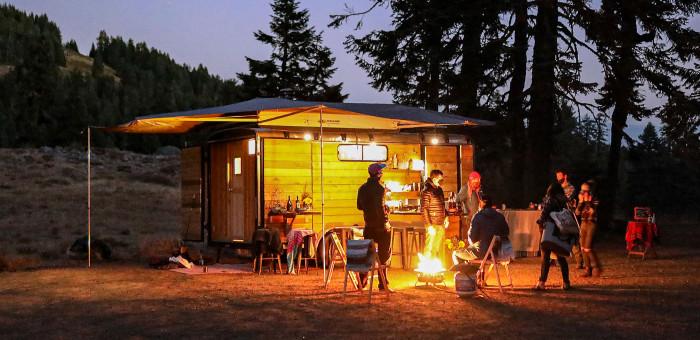 The Momentu Sauna Trailer - the bar at night